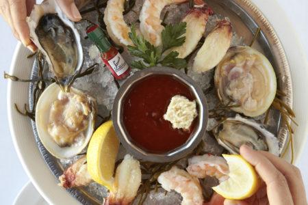 seafood platter hand